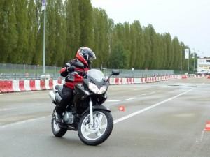 Conduire moto 14 ans